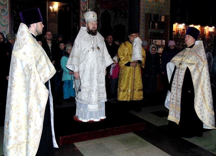 Архиерейская служба в Князь-Владимирском соборе г. Удомля