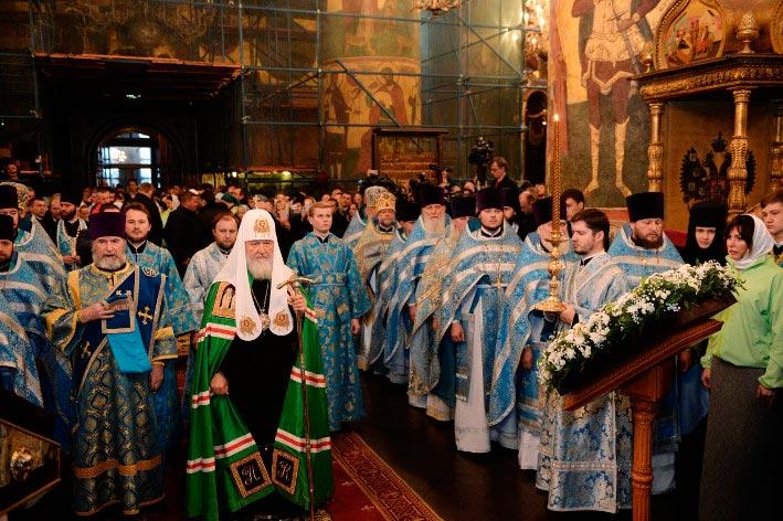 Епископ Бежецкий и Весьегонский Филарет принял участие в Патриарших богослужениях в Успенском соборе Московского Кремля и в Донском монастыре г. Москвы