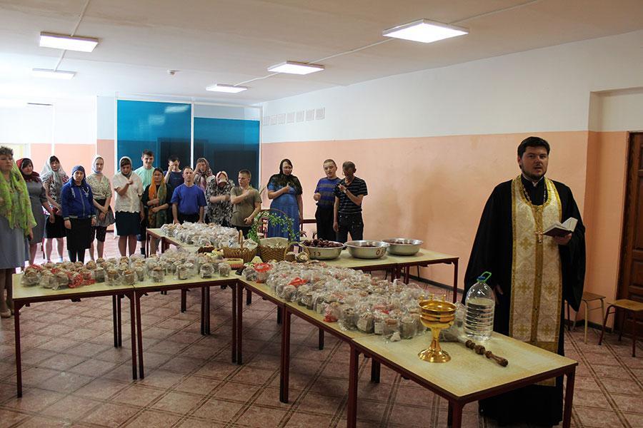 Председатель отдела социального служения и благотворительности Бежецкой епархии , благочинный Удомельского округа иерей Петр Губанов посетил социальные учреждения города Удомля.
