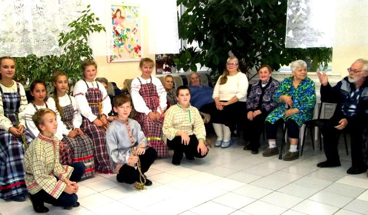 Воспитанники Весьегонской Воскресной школы провели благотворительный концерт для насельников Дома-интерната для престарелых и инвалидов