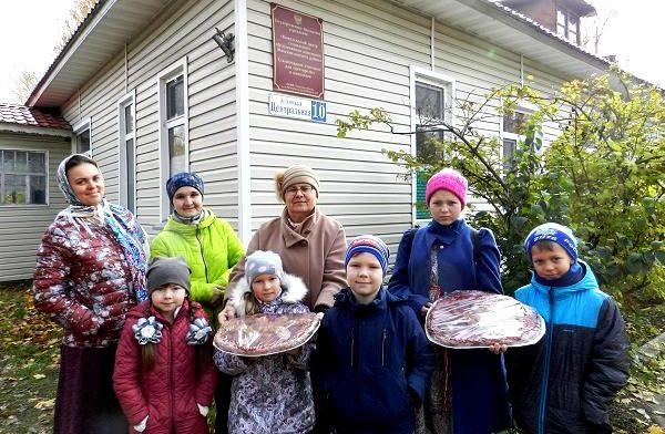 В Максатихинском благочинии состоялась благотворительная акция «Тепла много не бывает!»