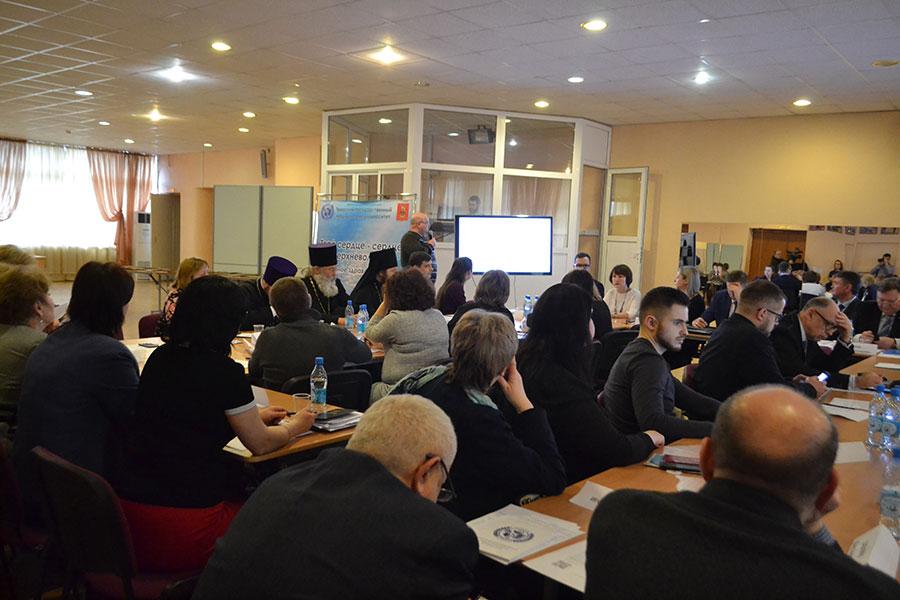 Круглый стол «Развитие семейной и демографической политики и укрепление общественного здоровья в Тверской области».