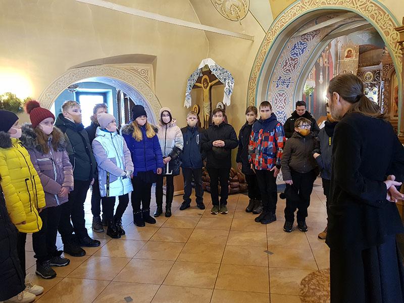 Экскурсия в храм юных краеведов